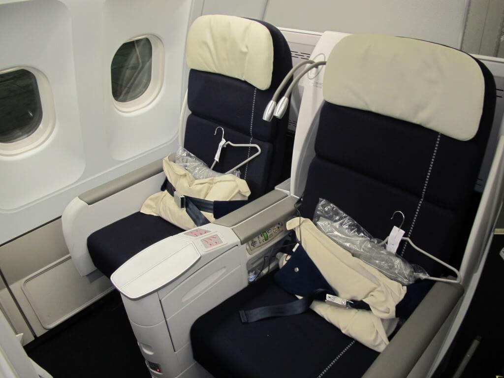 Air France Business Cl Review Detroit Dtw To Paris Cdg
