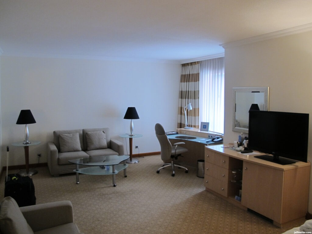 Rest of the room at Hilton Munich City
