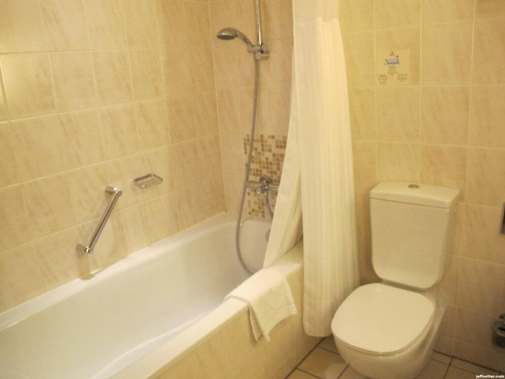 Hilton Munich City Shower