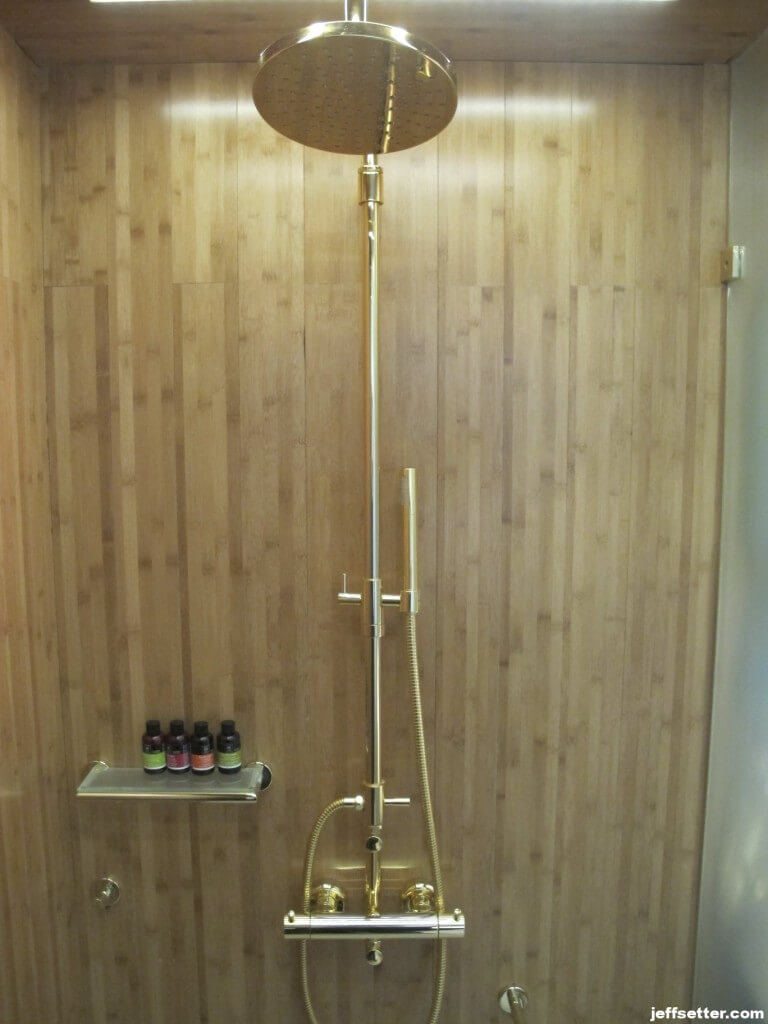 Showers at New Hotel Athens