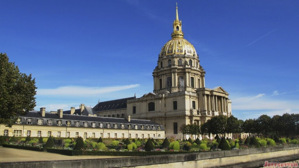 Trip to Paris from Rewards Credit Cards? Oui!