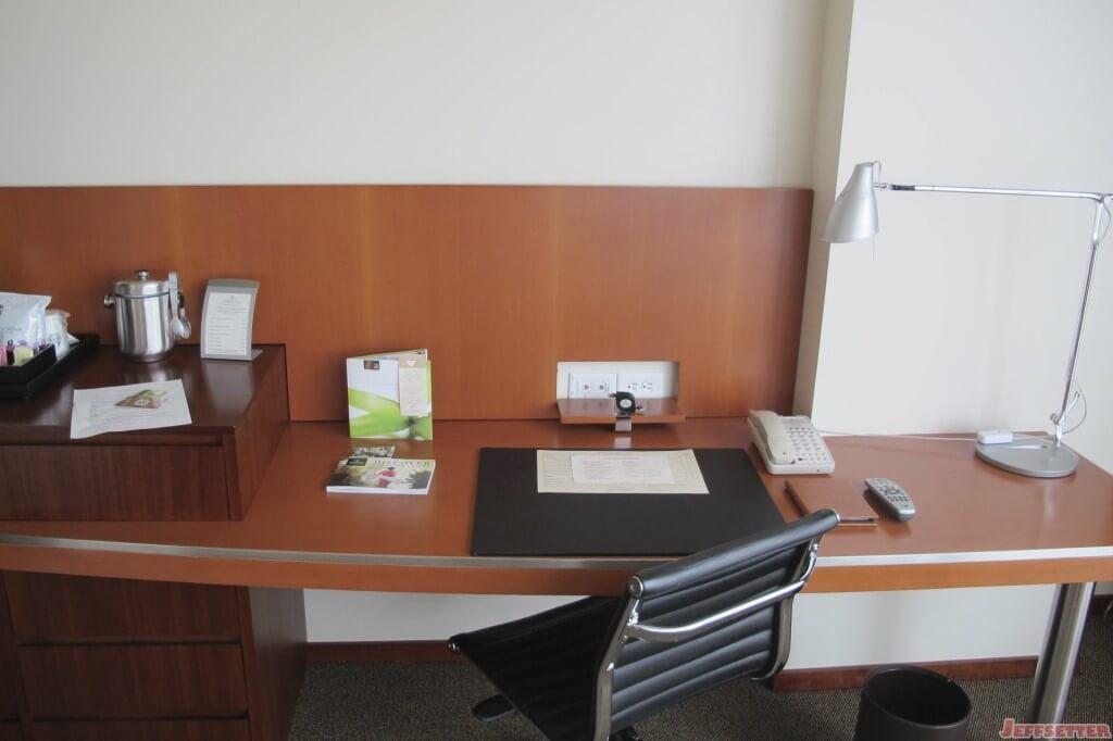 Ample Desk Area