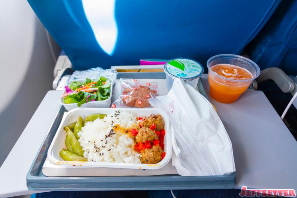 Delta Bringing Back Economy Meals on Select Flights