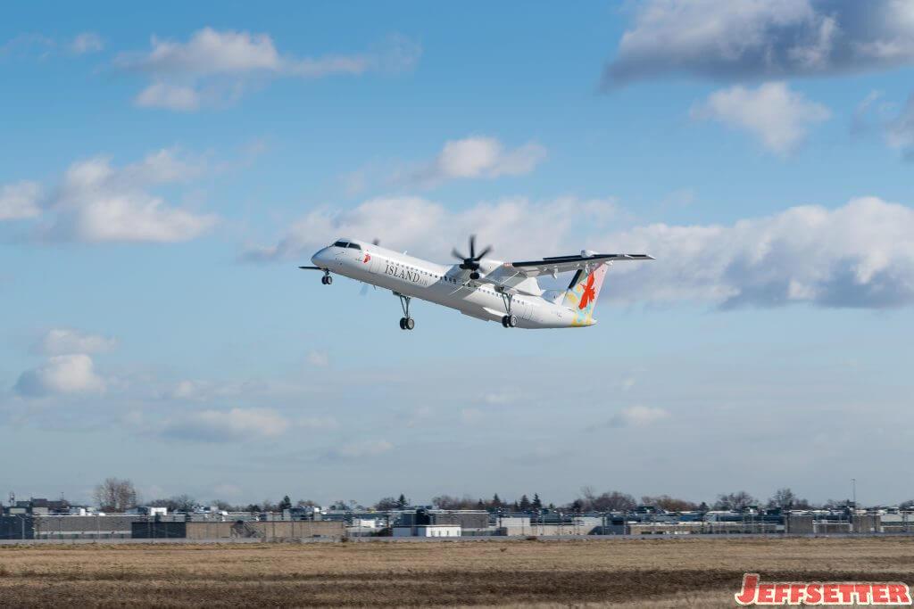 Island Air Accepts First Q400