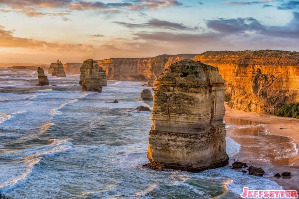 twelve-apostles-sunset
