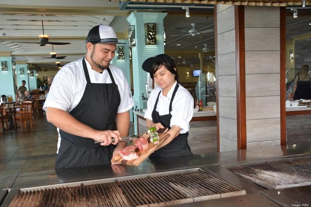 Shorebird Waikiki Reopens as Reef Bar and Market Grill