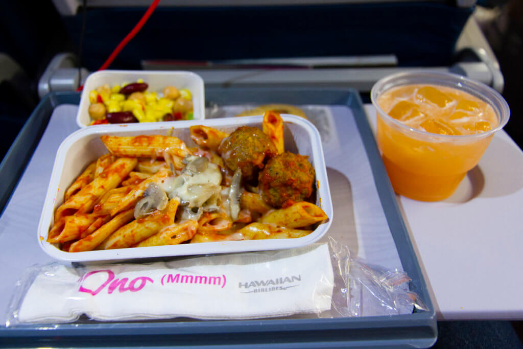 Hawaiian Airlines Launches New Uniforms and Meals