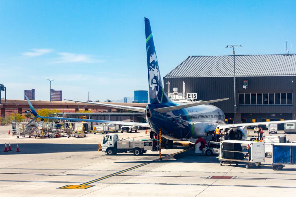 Alaska Airlines Increases Checked Bag Fees