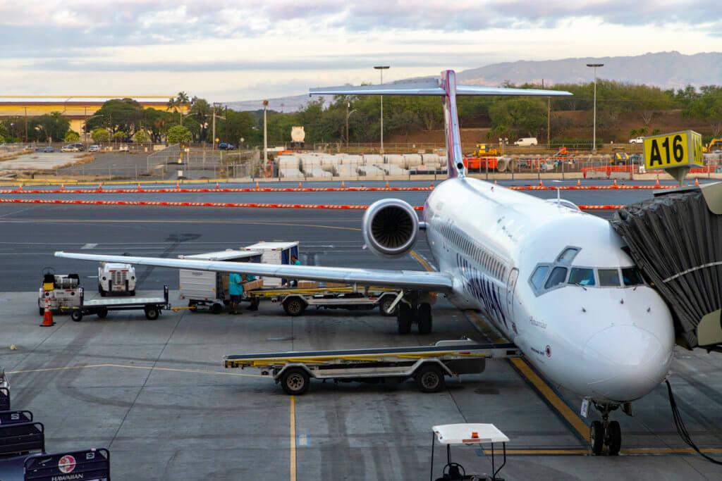 Hawaiian Airlines 146 HNL-OGG