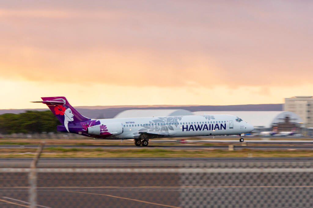 Hawaiian Airlines Flight Attendants to Picket