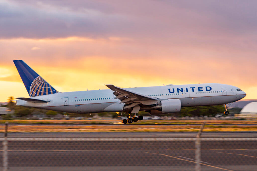 United Adds Meals to Hawaii Flights