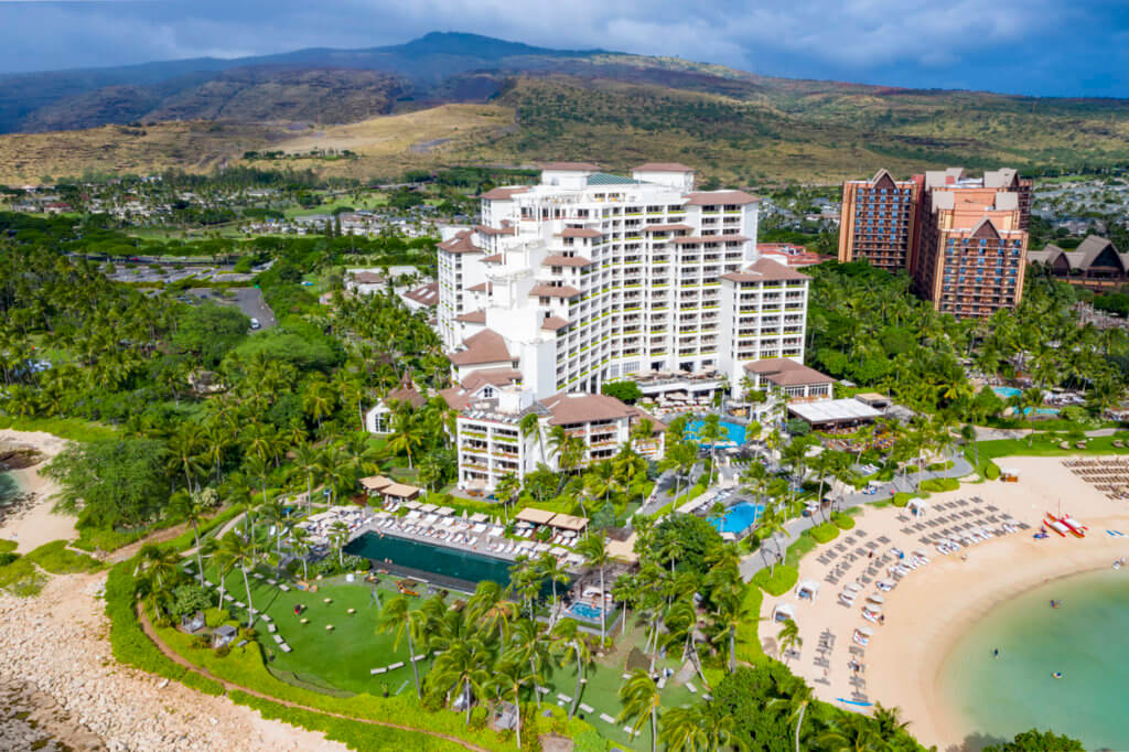 Thousands of Hawaii Travel Workers Receive Notices