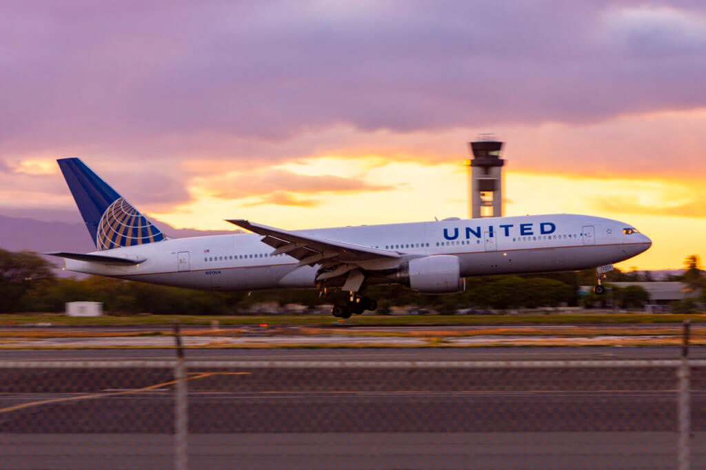 United Offers COVID Tests to Some Hawaii Passengers