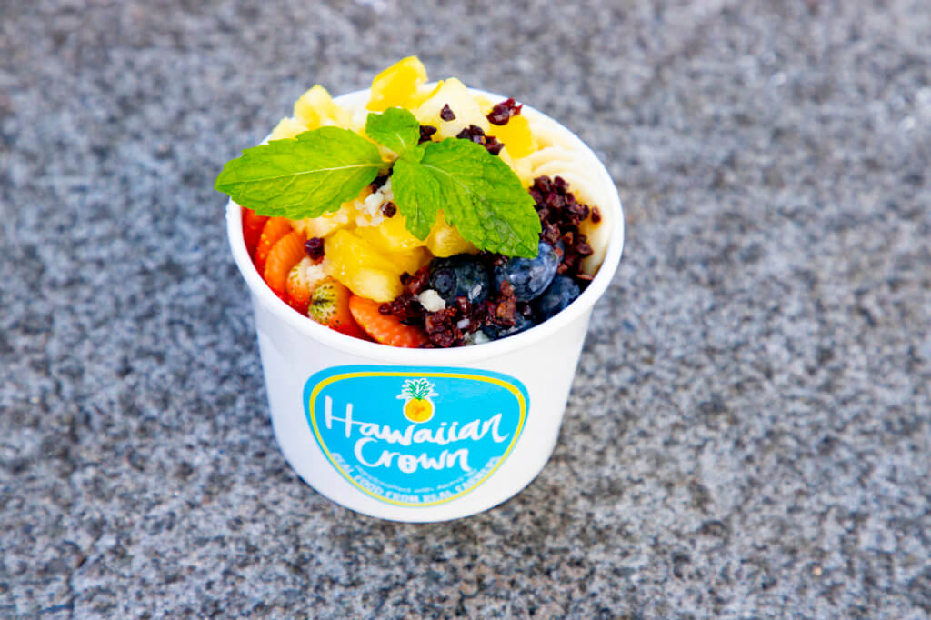 Hawaiian Crown Cafe açaí bowl